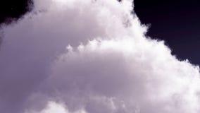 Nuages blancs dans le rendu du ciel bleu 3d Photographie stock