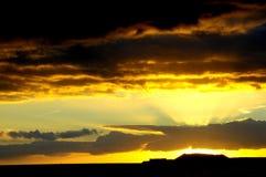 Nuages colorés au coucher du soleil Photo libre de droits