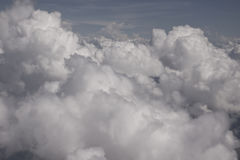 Nuages dans le ciel au-dessus de la forêt dans Venezeula Photo stock