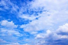 Nuages de ciel bleu et de blanc 171016 0096 Photographie stock libre de droits