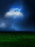 Nuages de ciel de lune photo stock