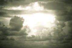 Nuages de pluie photos stock