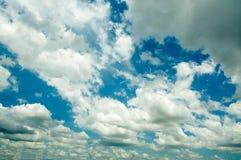 Nuages de tempête foncés photographie stock libre de droits