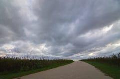 Nuages de tempête de prairie de Midwest au-dessus de Naperville l'Illinois image libre de droits