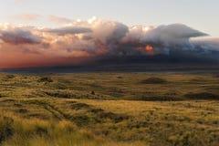 Nuages de tonnerre au-dessus de la grande île, Hawaï, Etats-Unis Images libres de droits