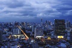 Nuages dramatiques au-dessus de Bangkok Photographie stock libre de droits
