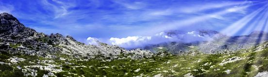 Nuages en montagne - Majorca, Espagne Photos libres de droits