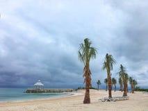 Nuages et belvédère de tempête sur la plage dans le cana de punta Photo libre de droits