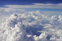 Nuages et ciel illustration de vecteur