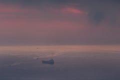 Nuages et lumière au-dessus de la mer dans la baie d'Alger Image stock