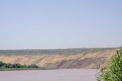 Nuages et rivière Yellow de désert photo libre de droits
