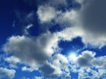 Nuages et soleil, beau ciel avec des nuages Photographie stock