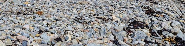 Nuages excessifs et ciel bleu Photos stock