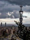 Nuages foncés à Barcelone Image stock