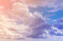 Nuages La couleur a modifié la tonalité l'image Photos stock