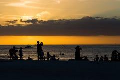 Nuages, mer et coucher du soleil Images libres de droits