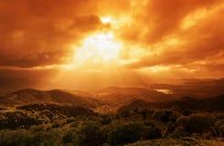 Nuages orageux en montagne de la Corse Image stock