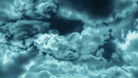 Nuages orageux foncés animation du vol par des nuages et de spining illustration libre de droits