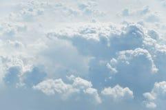 Nuages pelucheux Photographie stock libre de droits