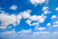 Nuages sur le ciel Photos libres de droits