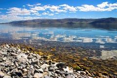 Nuages sur le lac Image libre de droits