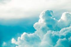 Nuageux fort dans le ciel Photo libre de droits