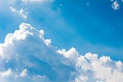 Nuageux fort dans le ciel Images libres de droits