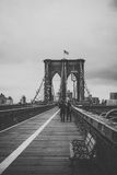 Nuances de pont de Brooklyn de gris Photographie stock