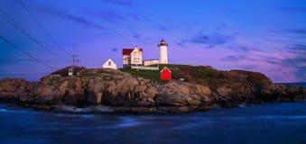 Nubble latarni morskiej zmierzch Obrazy Royalty Free