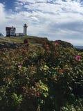 Nubble lekkiego domu przylądka neddick Maine zdjęcia royalty free
