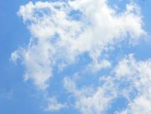 Nube asombrosa en cielo Fotos de archivo