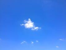 Nube blanca Fotos de archivo libres de regalías