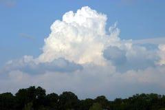 Nube blanca grande Imagen de archivo libre de regalías