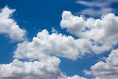 Nube con cielo blu Fotografia Stock