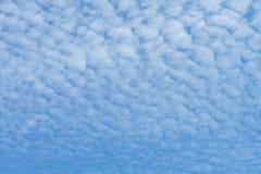 Nube de cirrocúmulo imagen de archivo libre de regalías
