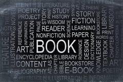 Nube de la palabra del libro en una pizarra de la pizarra Foto de archivo