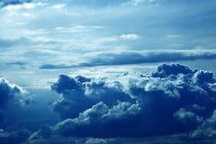 Nube de la tempestad de truenos imagenes de archivo