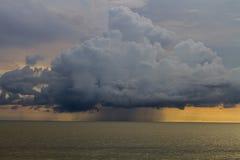 Nube de la tempestad de truenos Foto de archivo libre de regalías