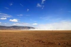 Nube de polvo del paisaje del cráter de Ngorongoro Fotografía de archivo libre de regalías