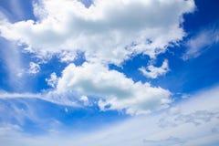 Nube e cielo blu Immagine Stock Libera da Diritti