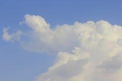 Nube en cielo Imagen de archivo libre de regalías