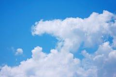 Nube en el cielo Fotos de archivo