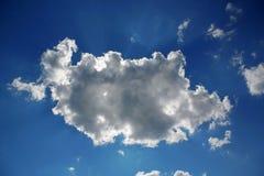 Nube en el cielo azul Fotografía de archivo