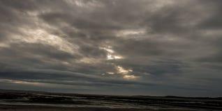 Nube en el mar fotos de archivo