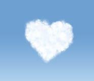 Nube en forma de corazón en el cielo Fotos de archivo