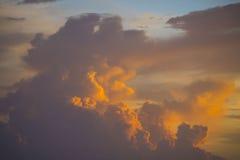 Nube en la puesta del sol Fotografía de archivo libre de regalías