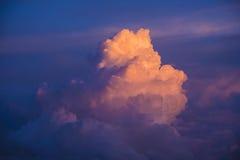 Nube en la puesta del sol Fotos de archivo