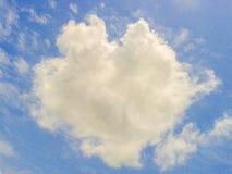 Nube a forma di del cuore Fotografie Stock Libere da Diritti