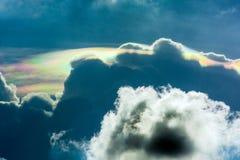 Nube iridiscente del píleo Imágenes de archivo libres de regalías