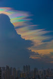 Nube iridiscente hermosa, Irisation o nube del arco iris Imagen de archivo
